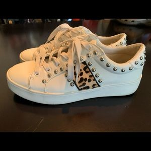 Steve Madden sneakers with studs Sz 10